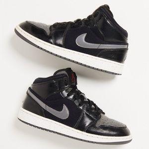 Nike Air Jordan 1 Mid Premium 'Winterized Fleece'